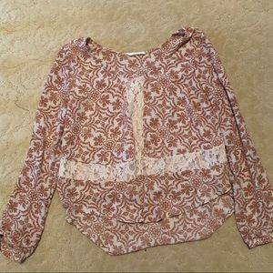 Flowy Blouse with a lace design in the front
